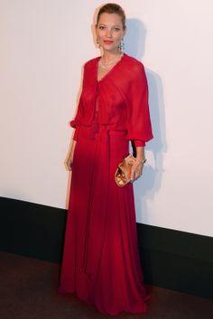 Kate Moss en Saint Laurent par Hedi Slimane http://www.vogue.fr/mode/look-du-jour/articles/kate-moss-en-saint-laurent-par-hedi-slimane-2/22556