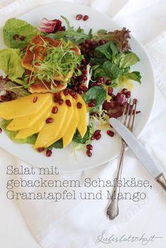 Wintersalat mit gebackenem Schafskäse, Granatapfelkernen und Mango | Liebesbotschaft
