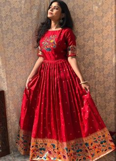 Indian Gowns Dresses, Indian Fashion Dresses, Dress Indian Style, Indian Designer Outfits, Girls Fashion Clothes, Designer Clothing, Designer Dresses, Girls Frock Design, Fancy Dress Design