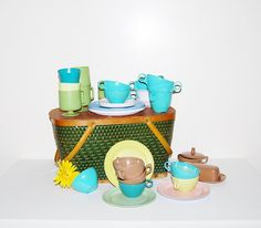 Vintage Picnic Basket with Mix Up Dishes by CheekyVintageCloset, $46.00