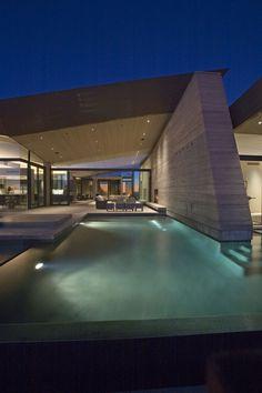 Splendid rammed earth house in Arizona - Decoist http://www.decoist.com/2011-01-29/spendid-rammed-earth-house-in-arizona/#