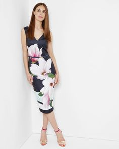 Discover Ted Baker's collection of stunning designs, from day and evening dresses, to signature, statement pieces to help create your show-stopping look. Striped Midi Dress, Navy Dress, Dress Up, Dress Clothes For Women, Dresses For Work, Ted Baker Dress, Evening Dresses, Summer Dresses, Women's Fashion Dresses
