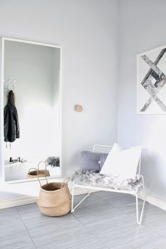 Hee tuoli, Dots seinäkoukku, Dot tyyny. Via NordicDays.nl | Mitt Og Vårt Hjem | HAY Hee Chair | Grey White