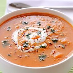 Spicy Red Lentil Soup - red lentils, carrots and spices will certainly warm you up this winter. Spicy Red Lentil Soup - red lentils, carrots and spices will certainly warm you up this winter. Healthy Recipes, Soup Recipes, Vegetarian Recipes, Cooking Recipes, Red Lentil Recipes, Red Lentil Soup, Tomato And Lentil Soup, Vegan Soups, Soup And Salad