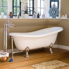 Victoria and Albert ROX-N-WH Roxburgh White Clawfoot Tub with White Feet 67 3/4 x 32 1/8 x 25 1/4 -