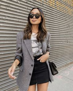 Stolen Inspiration New Zealand Fashion Lifestyle Travel « voguee. Blazer Outfits Casual, Classy Outfits, Cool Outfits, Work Fashion, Fashion Outfits, Look Con Short, Look Blazer, College Outfits, Elegant Outfit