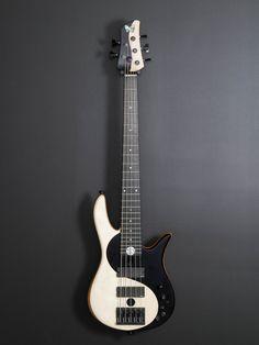 Fodera Ying Yang 5 Standard. All About That Bass, Cool Guitar, Yin Yang, Instruments, Cool Stuff, Guitars, Quotes, Beautiful, Musica