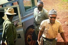 Amilcar Cabral and his (r)evolutionary theories to attain the right to determination & humanity for all is one of my biggest inspirations. Colonial, World View, Historical Pictures, African, Determination, Hats, Leadership, Inspiration, War