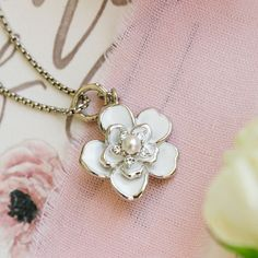 Origami Owl Bridal Collection,Origami Owl,Bridal Collection,Pearls,Lockets,Charms,Bridesmaids,Flower