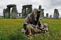 The Guardians of Time is an art project of the Austrian sculptor Manfred Kielnhofer, Stonehenge Sculpture Art, Garden Sculpture, Sculptures, Stonehenge, Art Auction, Public Art, New Image, Sculpting, Art Projects