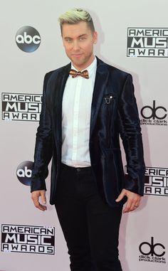 Pin for Later: Seht hier alle Stars auf dem roten Teppich bei den American Music Awards! Lance Bass
