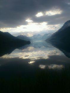 Halsa, Holandsfjorden sett gjennom et bussvindu Airplane View, Norway, Mountains, Country, Nature, Travel, Naturaleza, Rural Area, Viajes