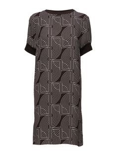DAY - Rhyss All-over graphic pattern Ribbed collar and cuffs Round collar Chic Elegant and feminine Modern Straight cut Dress Dresses Straight Cut Dress, Graphic Patterns, Collar And Cuff, Spring Summer 2016, Ss16, Round Collar, Cuffs, Short Sleeve Dresses, Feminine