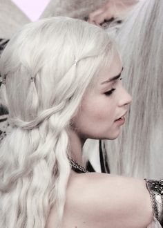 """Daenerys Hair Detail. It's not a braided hairstyle but Daenerys deserves that and more...""""Silver for the silver of your hair, the khal says."""""""