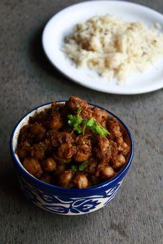 pindi chole - tasty side dish for chapati, roti, naan, rice  #indianfood #food #recipes #vegetarian #sidedish #chickpea