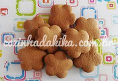 Os biscoitos de gengibre ou gingerbread cookies são aqueles biscoitinhos em formato de boneco muito tradicionais nas festas de final de ano (sonho de consumo: o cortador certo pra esses biscoitos, humpf). Mas com o nosso Natal tropical eu prefiro fazer esses cookies de gosto forte no inverno, acompa