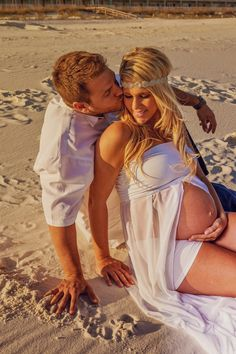 Beach maternity photos! Pensacola Beach, FL. Dellaina's Photography