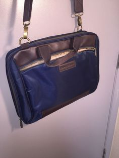 06390b32083e Tommy Bahama Briefcase Messenger Bag in Blue Brown Barely Used.