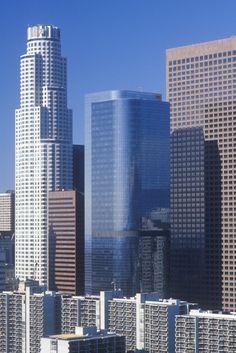 #LosAngeles es una ciudad que se destaca por la constante innovación arquitectónica que se aprecia en sus modernos edificios que embellecen los cielos californianos. http://www.bestday.com.mx/Los-Angeles-area-California/