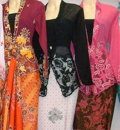 Nyonya Kebaya from: http://www.shafendicollection.com/products_pictures/jamumata3.jpg#