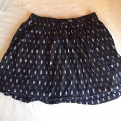 FLASH SALEAdorable Madewell Skirt Size small, very cute, and in good condition! Madewell Skirts Mini