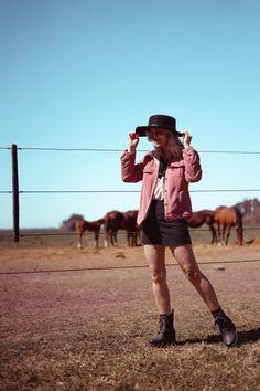 sesión de fotos con caballos Hipster, Inspiration, Style, Funny Pics, Horses, Fotografia, Hipsters, Biblical Inspiration, Inhalation