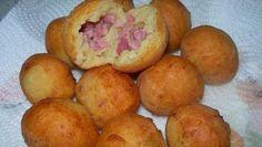 Ingredienti per circa 15 bomboloni: 250 gr di patate 250 gr di farina 12 gr di lievito di birra 1 cucchiaino raso di zucchero 25 gr di burro 1 cucchiaino c