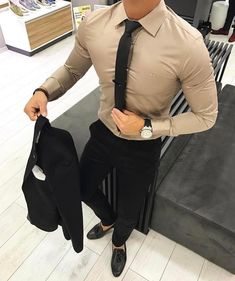 Perfect casual look! Love this color actually !