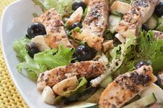 A different kind of salad! Add blueberries and fresh mozzarella, along with balsamic vinegar for a light lunch! Blueberry Chicken, Blueberry Salad, Mozzarella Salad, Fresh Mozzarella, Salad Recipes, Healthy Recipes, Tasty Videos, Kinds Of Salad, Original Recipe
