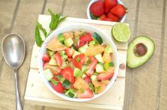 Minty Strawberry Avocado Salad With Citrus {Paleo, Vegan + Whole 30!} :http://athleticavocado.com/2016/06/11/minty-strawberry-avocado-salad-with-citrus/