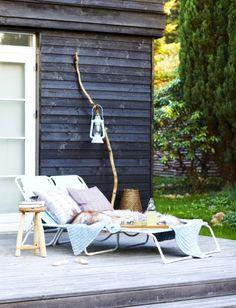 LEI LIVING boliginspiration og online indretningshjælp: Sommer i haven Outdoor Rooms, Outdoor Gardens, Outdoor Living, Outdoor Decor, Outdoor Daybed, Outside Living, Decks And Porches, Scandinavian Home, Outdoor Settings