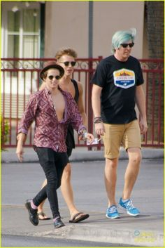 | THE VAMPS BRADLEY and JAMES HANGING OUT IN LAS VEGAS | http://www.boybands.co.uk