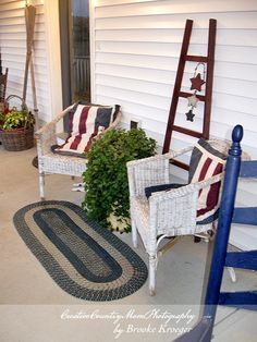 Patriotic Front Porch, Country Farm House--- http://creativecountrymom.blogspot.com/2012/07/happy-4th-of-july.html