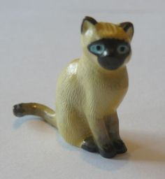Hantel Victorian pewter miniatures Cat sitting (05/28/2011)