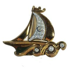 """#sailawaywithme #sailboat #pave #goldtone #brooch #vintage #costume #fashion #jewelry #sherisvintagecollections #nyshowplace #discoverflatiron #nyc #nomad"""