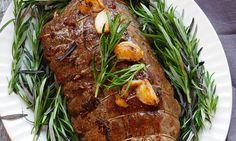 Er du en av dem som foretrekker å tilbringe #nyttårsaften i stuen sammen med #familie og #venner framfor på kjøkkenet forran stekeovnen? Da bør du sjekke ut disse enkle #middagsforslagene til nyttårsaften fra Coop Extra. Roast Beef, Steak, Tapas, Pork, Food And Drink, Turkey, Cooking, Ethnic Recipes, Mat