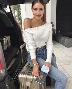 Olivia Culpo wearing Rimowa Topas Titanium Multiwheel Suitcase and Majorelle Twister Sweater Fall Outfits, Casual Outfits, Cute Outfits, Fashion Outfits, Womens Fashion, Fashion Tips, Fashion Trends, Fashion Styles, Olivia Culpo Style
