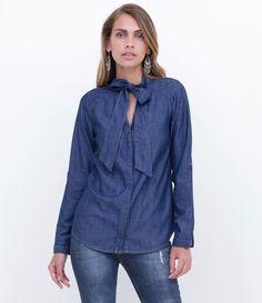 Camisa feminina    Manga longa    Com gola laço    Marca: Marfinno    Tecido: jeans    Composição: 67% viscose e 33% algodão    Modelo veste tamanho: P                 COLEÇÃO INVERNO 2016                 Veja outras opções de    camisas femininas.