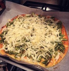 Chicken pesto pizza on oopsie bread! Topped off with mozzarella cheeeeese. Im so glad I can still eat pizza on keto!! ;) #keto #ketosis #ketodiet #ketogenic #ketogeniclifestyle #ketogenicdiet #ketolife #highfat #lowcarb #highfatlowcarb #pizza #oopsie - Inspirational and Motivational Ketogenic Diet Pins - Eat Keto Get Into Nutritional Ketosis - Discover LCHF to Prevent Diseases - Enjoy Low-Carb High-Fat Lifestyle For Better Health