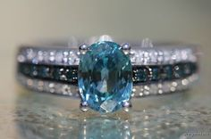 Vintage 14k White Gold Topaz Blue and White Diamond Ring Size 7.5