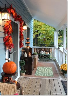 Welcome to the Blue Cottage fall home tour! Look at the DIY pumpkins I decorated with! DagmarBleasdale.com
