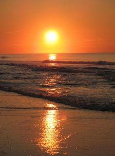 """Topsail Beach, North Carolina"" Topsail Island, North Carolina photo of ""Dawn's Early Light"" by IgoUgo travel photographer, BawBaw."