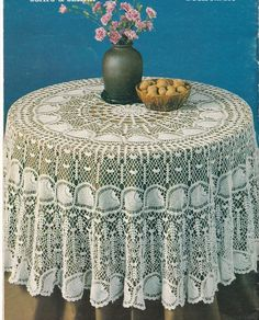Round Crochet Tablecloth Patterns – Crochet For Beginners Filet Crochet, Crochet Round, Crochet Home, Thread Crochet, Simple Crochet, Crochet Tablecloth Pattern, Crochet Bedspread Pattern, Crochet Doilies, Doily Patterns