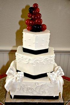 Octagon Wedding Cakes Photos & Pictures - WeddingWire.com