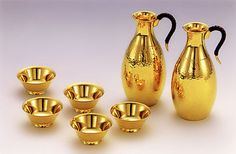 Pure golden 24 carat  bottle and cup set more styles  available for purchase, price from $29500 ,mail for details  12102012-2