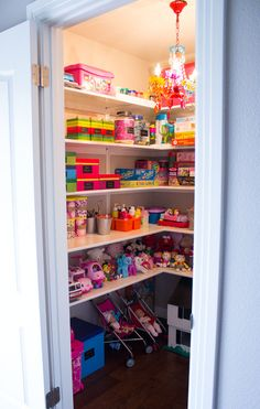 My Top 10 Easy DIY Toy Storage Ideas! These 10 easy diy toy storage ideas are easy to incorporate in your own playroom. Includes DIY storage containers and simple organization tips! Playroom Closet, Playroom Storage, Kid Closet, Closet Ideas, Bedroom Storage, Basement Closet, Corner Closet, Toddler Playroom, Baby Toy Storage