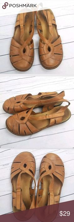 e39f1b64ed6da Clarks Bendables Fisherman Sandal Clarks Bendables Fisherman Sandal Natural  Tan Brown Leather Closed Toe Women SIZE Some wear throughout