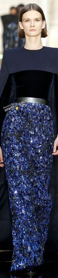 Givenchy Fall 2018 Couture #givenchy #runway2018 Fashion 2018, Fashion Show, Womens Fashion, Fashion Design, Outfits Spring, Glamour, Couture Collection, Fall 2018, Midnight Blue