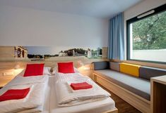Nejlepší nabídky: MEININGER Hotel Vienna Downtown Franz – Vídeň   Hotels.com Vienna, Bed, Furniture, Home Decor, Travel, Tips, Europe, Decoration Home, Stream Bed