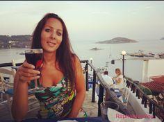 Einen schönen Gruß bei #Sonnenuntergang bei einem #Glaswein in einem tollen #restaurant  A nice greeting from #sunset with a #wine . . . . .  #celebritiesofinstagram #celebritieswelove #celebrity #cute #inspired  #mustfollow  #picoftheday #shouldfollow #style #fashionqueen #instago #insel #island #outfitoftheday #niceview  #portrait #niceplaces  #traveller #handsome #selflove  #instagood #instaselfie #beautifulfaces #face #sealife…